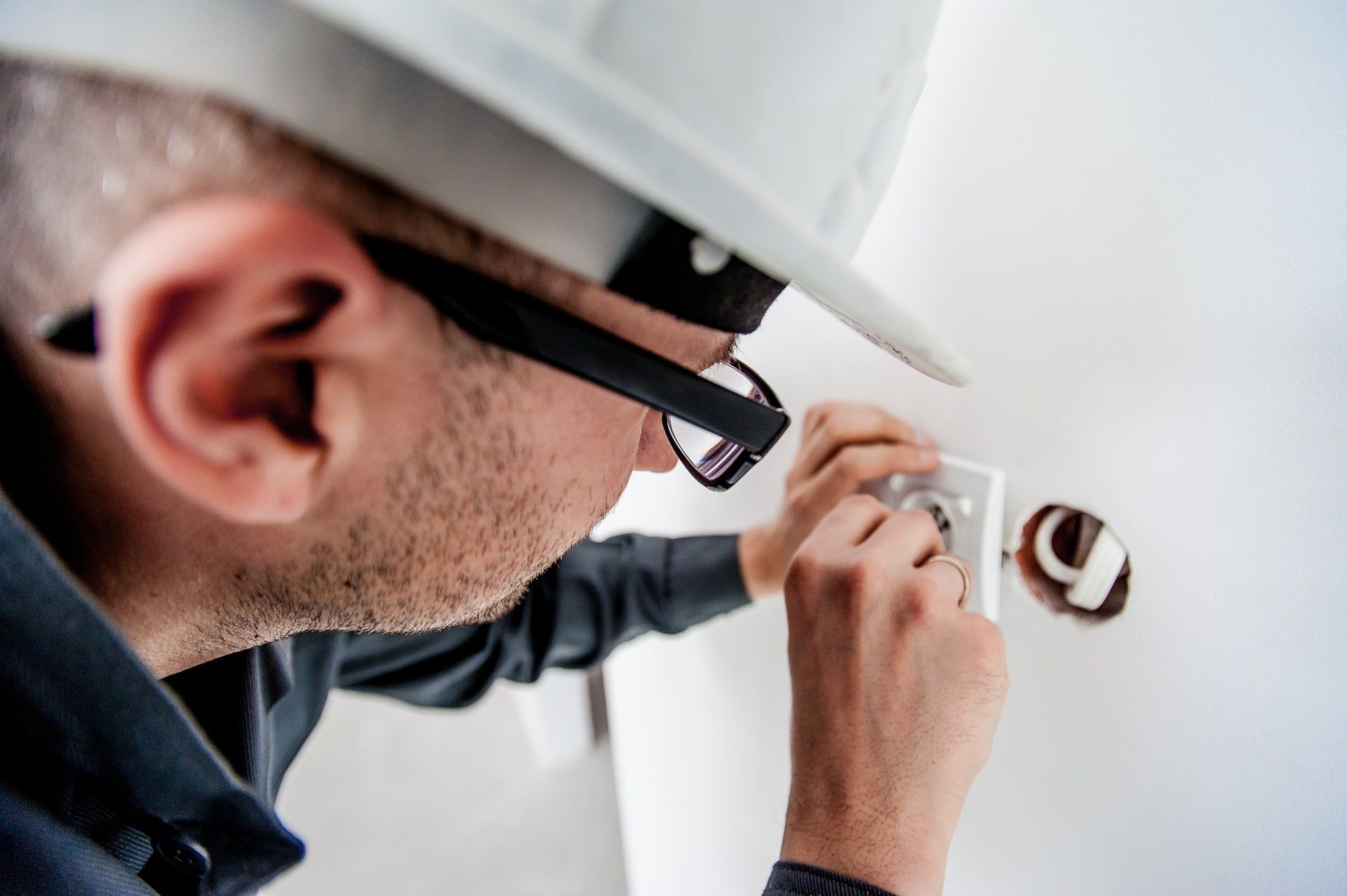 Like to Meet - quality Electrician in Chester